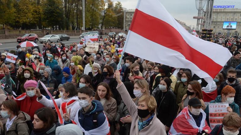 """Лукашенко видя """"терористи"""" в лицето на протестиращите срещу него в Беларус"""