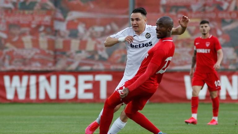 Капитанът на Славия е пред трансфер в Русия