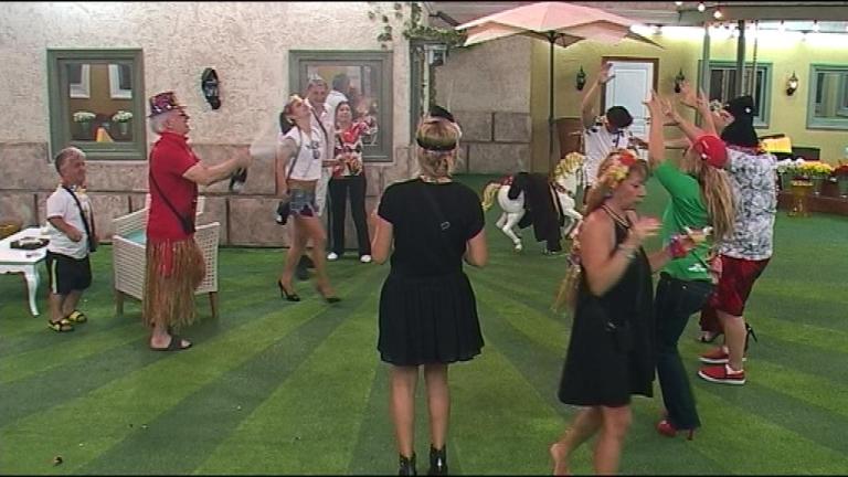 Щури танци в Къщата (ВИДЕО) - Lifestyle.bg