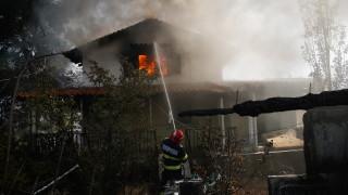 Села в Гърция евакуирани, нови горски пожари избухнаха край Атина