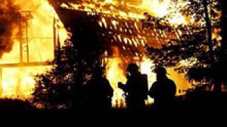 Психично болен запали къщата си в поморийско