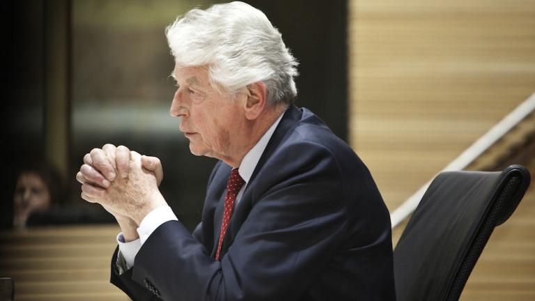 Почина знаков премиер на Холандия, съобщи