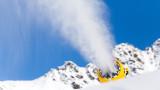 Учени искат да изсипят трилиони тонове сняг, за да спрат топенето на Антарктида