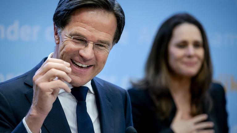 Нидерландия за пръв път въвежда вечерен час за ограничаване на коронавируса