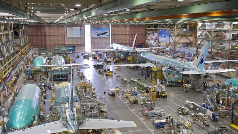 Boeing достави само 84 пътнически самолета през 2020-а
