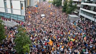 """300 хил. крещят в Барселона """"окупационните сили вън"""""""