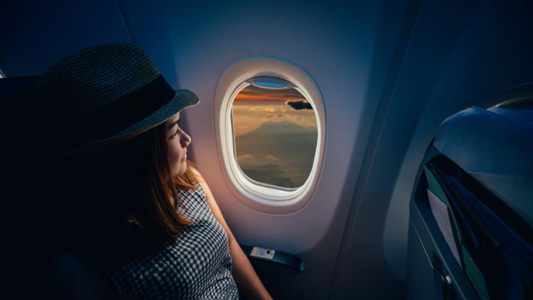 Как да се предпазим от вирусите в самолета