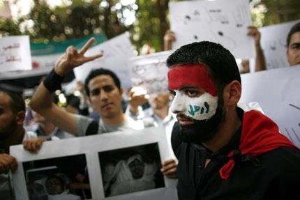 """Сирийската армия """"прибира"""" опозиционни активисти"""