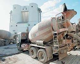 Зазидаха с 6 кубика бетон щаба на кандидат-кмет на Гълъбово
