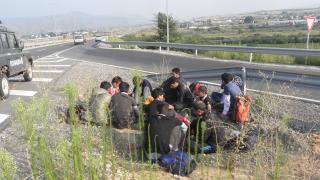 Заловиха 17 нелегални мигранти в микробус до Пазарджик