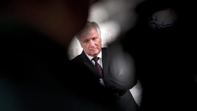 Новият вътрешен министър на Германия Хорст Зеехофер призова за отмяна