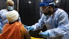 САЩ се хвалят: 8% от американците получиха първа доза COVID ваксина