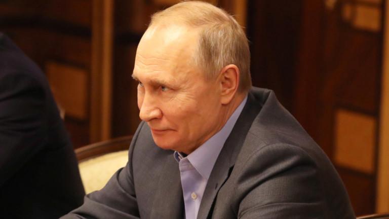 Путин уволни дългогодишния си помощник Сурков