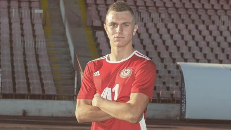 Асен Дончев дебютира за ЦСКА в официален мач
