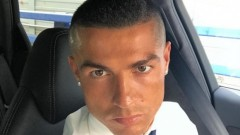 """Кристиано Роналдо се отказа от гела и мина на """"войнишка"""" прическа"""