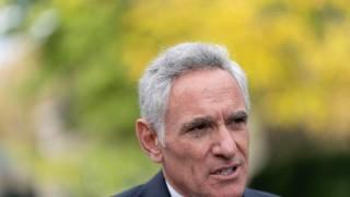 Съветникът на Тръмп по COVID-19 хвърли оставка