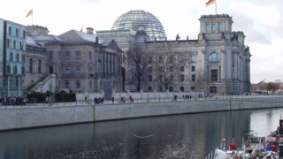 Бездействие и късмет тласкат икономиката на Германия напред