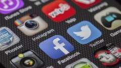 Осем социални медии и какво да правите с акциите им?