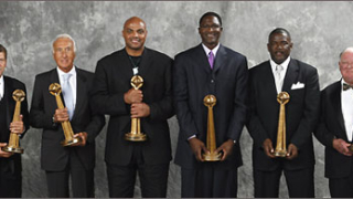 Баркли, Дюмарс и Уилкинс в залата на славата на НБА
