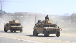 Десетки убити и ранени при атентат в Афганистан