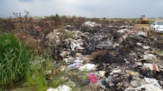 Наредиха почистване на незаконните сметища в Пазарджишко