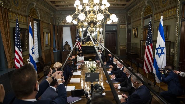 """САЩ предупреждават с """"други варианти"""" за Иран, ако дипломацията се провали"""
