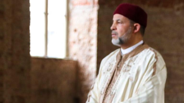 Църква в Берлин отвори вратите си за поклонниците мюсюлмани, които