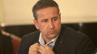 Благодарение на Нинова няма социалисти в парламента, доволен Харизанов