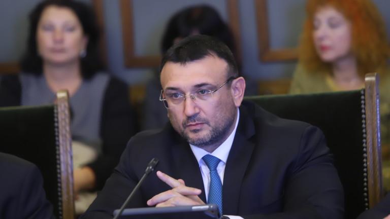 Маринов: Засега МВР се справя, не ни трябва армията