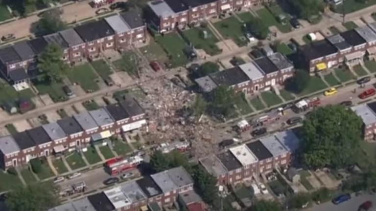 Силна газова експлозия изравни със земята няколко жилища в квартал