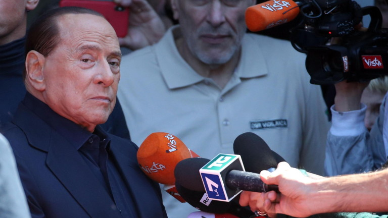 Берлускони иска ЕНП да се съюзи с крайната десница