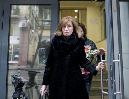 Трудно намират съдия, който да гледа мярката на Ченалова