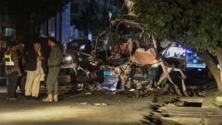 Най-малко 10 загинали цивилни при взривове в Кабул