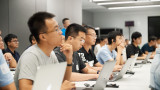 Apple ще обучава милиони китайци как да правят мобилни приложения