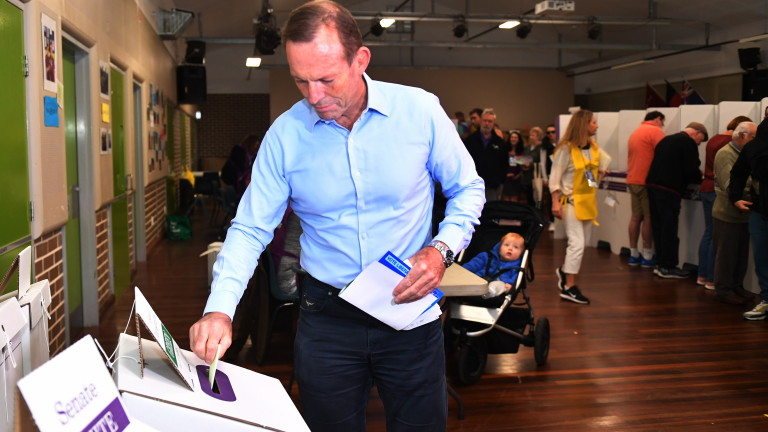 Започнаха федералните избори в Австралия, съобщиха световните информационни агенции. Около