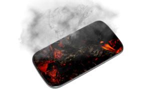 Евакуираха цял самолет заради пламнал Samsung Galaxy A21