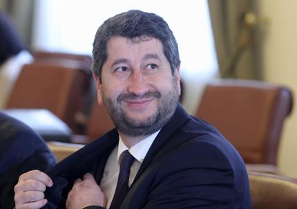 """Подкрепата на """"Атака"""" за конституционните промени не притеснява Христо Иванов"""