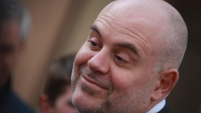 За теч на информация в разследването срещу Арабаджиеви намекна Гешев