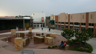 Краят на търговските центрове в САЩ идва. И първият мол в страната става...