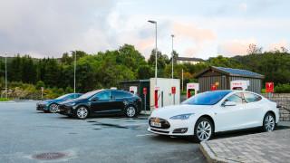 """Норвегия обмисля да наложи """"данък Тесла"""" на електрическите коли"""