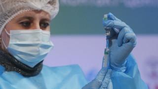 Логиката на коронавируса - да отслабне и да се настани сред нас