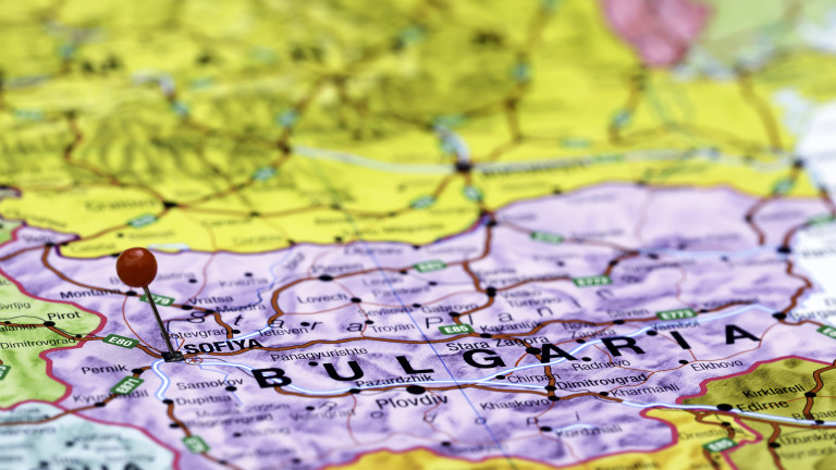 Малки общини край големи икономически центрове отбелязват ръст на населението