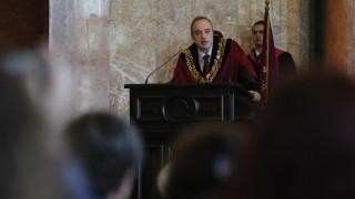 Дори и Софийският университет е обект на недостойни атаки, тревожи се ректорът