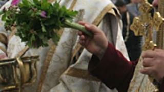Свещеници влизат в отрезвителното