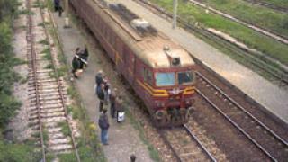 Пътнически влак се запали на гарата във Варна