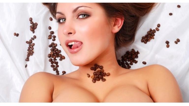 Кафето влияе върху размера на женските гърди
