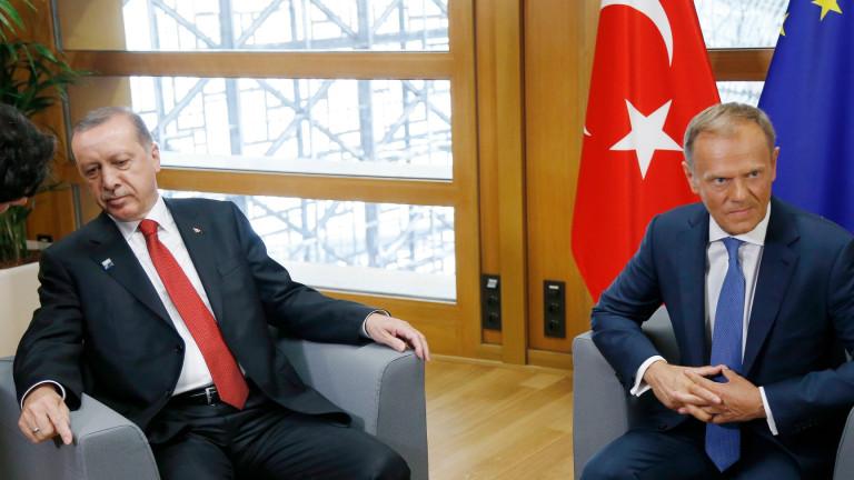 Министърът по европейските работи на Турция Йомер Челик обяви, че
