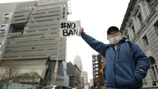 В Хонолулу забраняват SMS - те на пешеходците