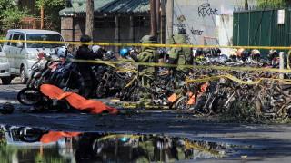 ДАЕШ избиха и раниха десетки при бомбени нападения срещу църкви в Индонезия