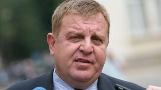 Не се налагат специални мерки по границата, уверява Каракачанов